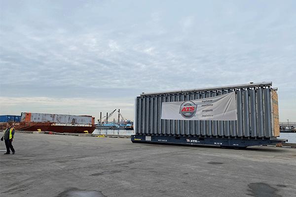cargo-container-international-port