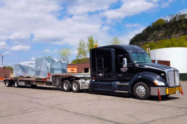 step-deck-freight-shipment