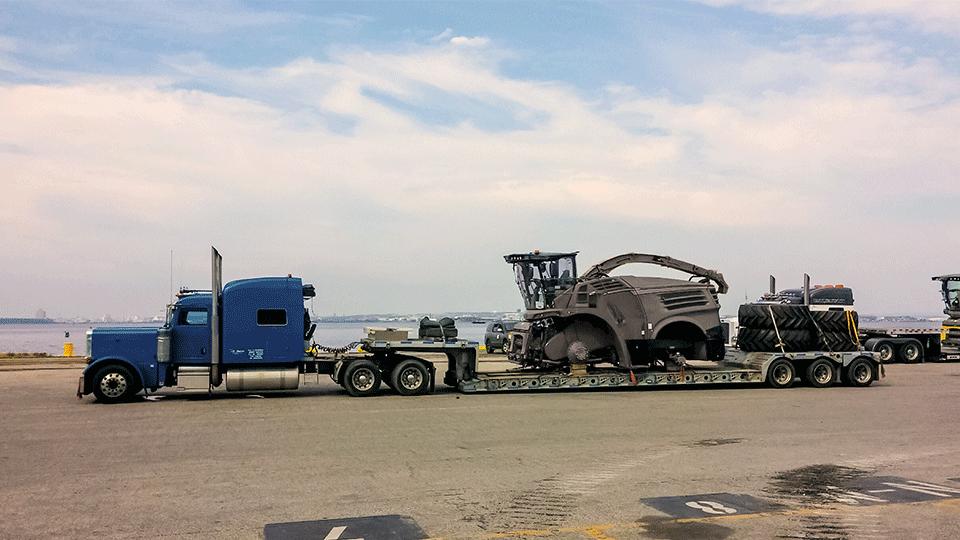 Heavy haul trailer in transit