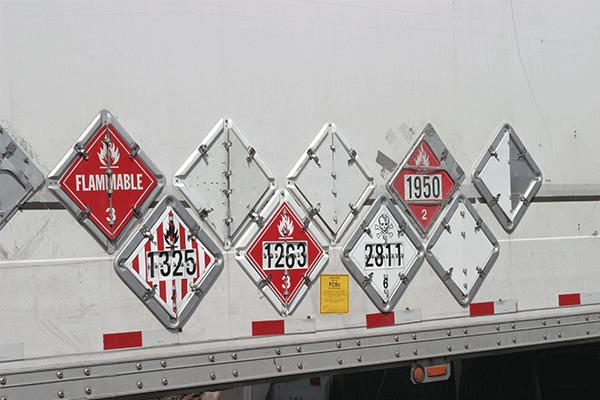placarded-dry-van-trailer