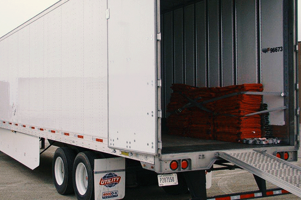 dry-van-trailer-ramp-down