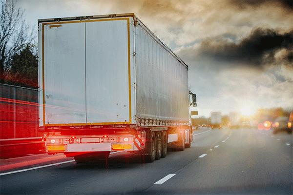 semi-trailer-hauling-ltl-freight