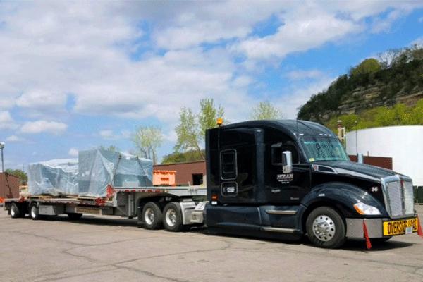 Trailer interchange truck