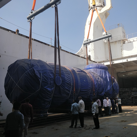 Flue gas vessel being loaded onto ship