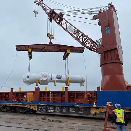 Tube bundle being discharged from vessel