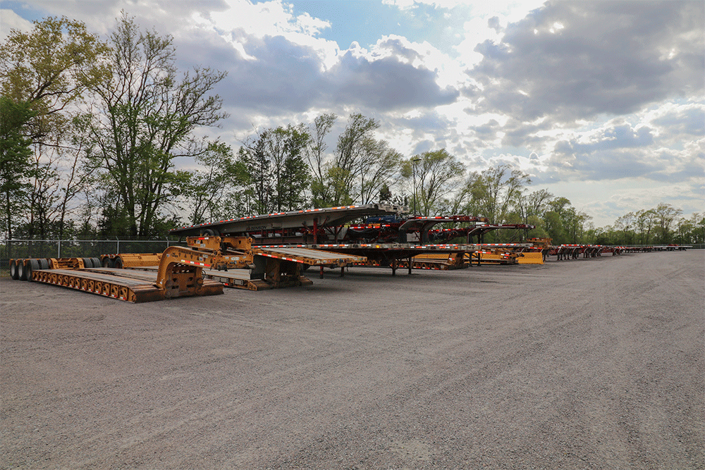A variety of flatbed specialized trailers